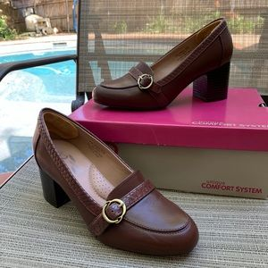 A2 by Aerosoles Domain Pump Mid Brown Combo
